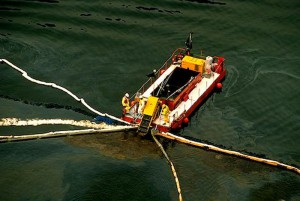 oil-spill-cleanup-boats_3187